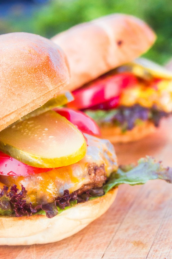 Juicy And Flavorful Grilled Burgers