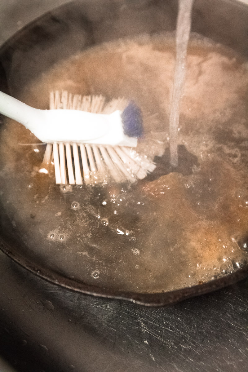 How-To-Clean-A-Cast-Iron-Skillet-3