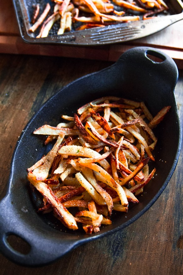 Crispy Oven-Baked Fries With Spicy Garlic Seasoning
