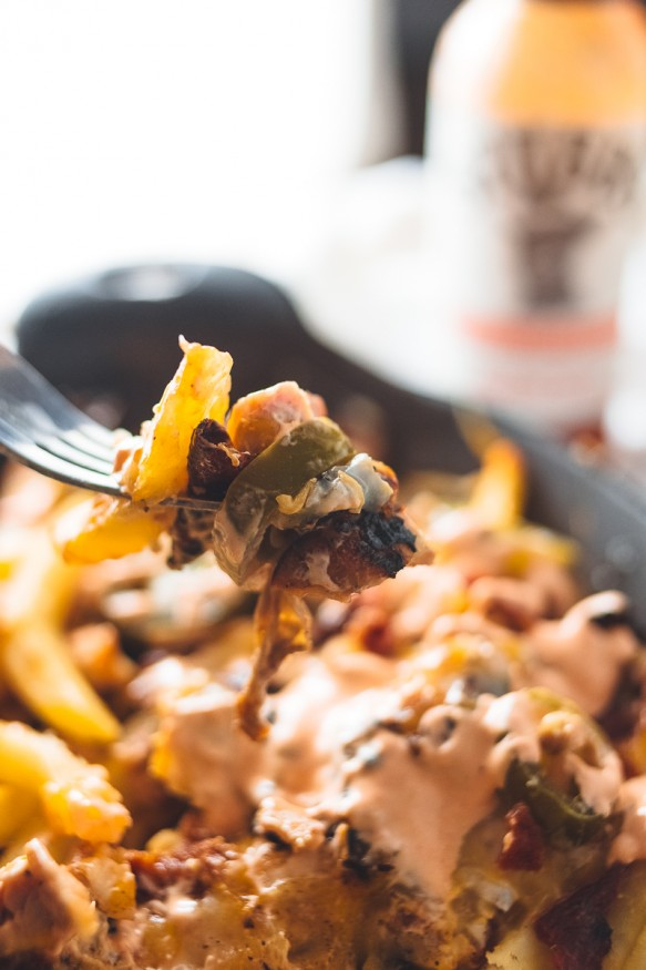 Texas-Sriracha-Chicken-Nacho-Fries-32