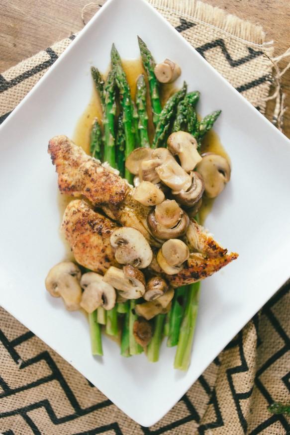 Mushroom-Chicken-on-Red-Pepper-Asparagus-15