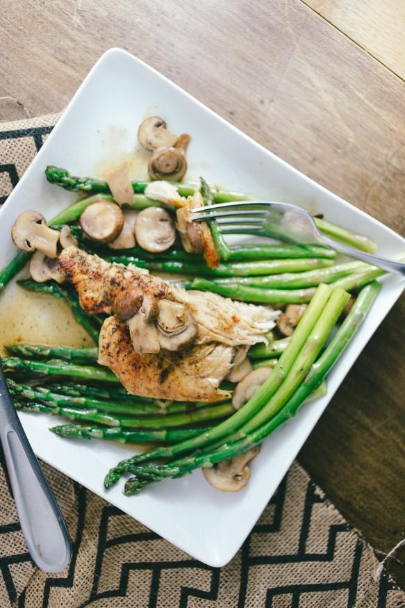 Mushroom-Chicken-on-Red-Pepper-Asparagus-17