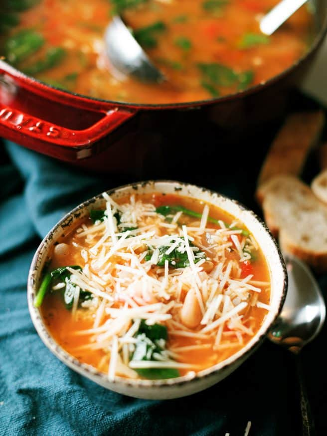 Bean and barley soup with fennel, fire-roasted tomatoes, spinach and parmesan cheese. Aweome soup for a cool weeknight!